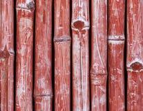 Rött staket som göras av bambu Fotografering för Bildbyråer