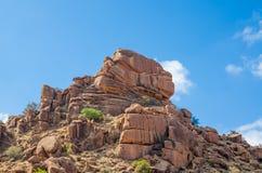 Rött stenigt landskap i regionen för kartbokberg av Marocko, Nordafrika Royaltyfria Bilder