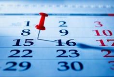 Rött stift som markerar 15th på en kalender Royaltyfri Fotografi