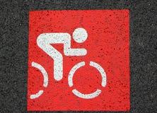 Rött tecken av cykelgränden Fotografering för Bildbyråer