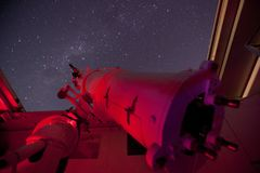 Rött teleskop Fotografering för Bildbyråer