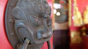 Rött tempelportmonster Royaltyfri Foto