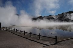 Rött termiskt i Nya Zeeland arkivfoton