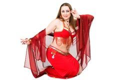 rött traditionellt för dansareklänning Royaltyfri Foto