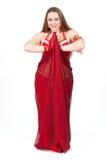 rött traditionellt för dansareklänning Royaltyfria Bilder