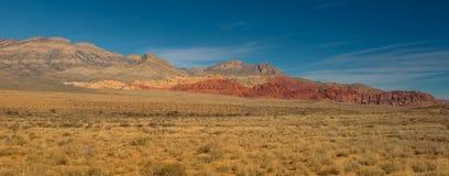 Rött vagga kanjonen precis förutom Las Vegas Arkivbild