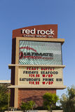 Rött vagga kasinot undertecknar in Las Vegas, NV på Maj 29, 2013 Arkivfoto