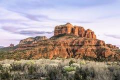 Rött vaggar den Sedona solnedgången - Arizona Fotografering för Bildbyråer