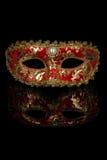 rött venetian för karnevalmaskering Royaltyfri Foto