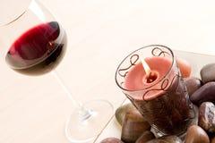 rött vin för 2 exponeringsglas Fotografering för Bildbyråer