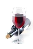 rött vin för alkoholstångexponeringsglas Arkivfoton