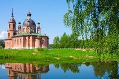 Rússia, igreja em Volgorechensk foto de stock royalty free