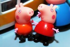 Rússia, Izhevsk 30 de setembro de 2017 Porco de Toy Peppa Fotografia de Stock Royalty Free