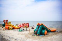 Rússia, o 19 de agosto de 2014, campo de jogos inflável sobre Fotografia de Stock