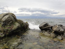 Rússia, o Lago Baikal, ilha de Olkhon, negligenciando o mar pequeno o 16 de agosto de 2012 Fotografia de Stock