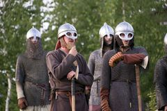 Rússia, região de Lipetsk, Chaplygin 27 de julho de 2013 ano A celebração é a reconstrução do batismo de Rus Cavaleiros na armadu imagens de stock royalty free