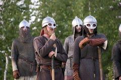 Rússia, região de Lipetsk, Chaplygin 27 de julho de 2013 ano A celebração é a reconstrução do batismo de Rus Cavaleiros na armadu fotos de stock