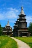 Rússia, região de Novgorod, museu da arquitetura de madeira Vitoslavlitsy Foto de Stock Royalty Free