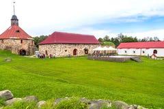 Rússia, St Petersburg, Priozersk, em agosto de 2016: Museu da fortaleza de Korela Fotografia de Stock Royalty Free