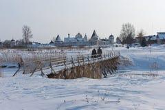 Rússia Suzdal em março Monastério de Pokrovsky dentro Imagens de Stock Royalty Free