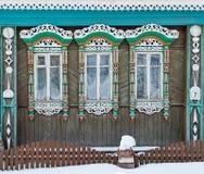 Rússia Suzdal Três janelas com de madeira cinzelado Foto de Stock