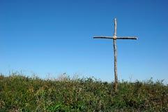 Rústico cruze sobre o céu azul Fotografia de Stock
