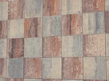 Rústico del rojo y de Gray Checked Ceramic tejado fotos de archivo