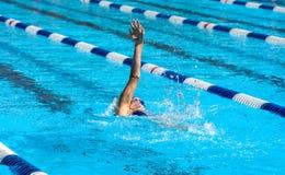 Rückenschwimmenschwimmer Lizenzfreie Stockfotografie