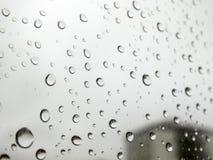 Rückgangsbilder, Regen fällt, Regen fällt auf Glas Lizenzfreies Stockbild