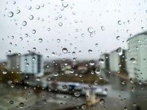 Rückgangsbilder, Regen fällt, Regen fällt auf Glas Stockfotografie