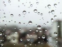 Rückgangsbilder, Regen fällt, Regen fällt auf Glas Lizenzfreie Stockfotos