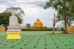 Rückseite der riesigen Buddha-Statue Lizenzfreie Stockbilder