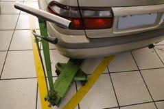 Rückseite eines beige Autos Stockfoto