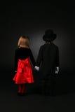 Rückseitige Ansicht des Jungen und des Mädchens in der formalen Kleidung Stockbilder
