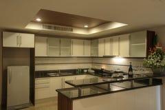 Rücksortierung-Hotelzimmer - Küche Stockfoto