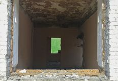 Rückstand eines lebenden zerstörten Hauses lizenzfreie stockfotos