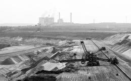 Rückverlader in der Tagebaugrube Stockfotografie