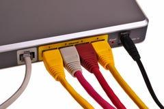 Rückwandblech des LAN-Schalters. Stockbilder