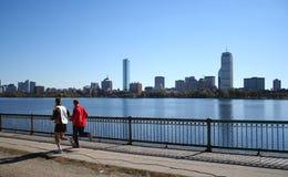 Rütteln mit Boston-Skylinen Stockfoto