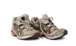 Rüttelnde Schuhe lizenzfreies stockfoto