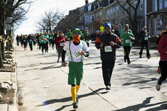 Rüttler, Tages-Straßenrennen Süd- Bostons, St Patrick, Süd-Boston, Massachusetts, USA Stockbilder