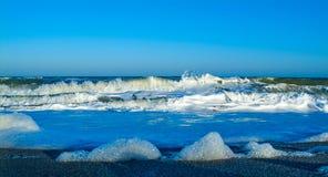 ręce na plażę dezerterujący wyspy matki syn morskiego określa burzę Fotografia Royalty Free