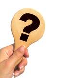 ręce oceny gospodarstwa drogowskaz odizolowane pytań Obrazy Royalty Free