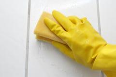 ręce rękawiczkowa gąbka obrazy stock