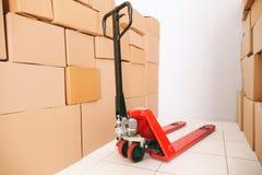 Ręczna barłóg ciężarówka z pudełkami zdjęcie royalty free