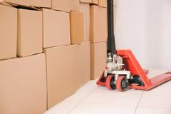 Ręczna barłóg ciężarówka z pudełkami zdjęcie stock