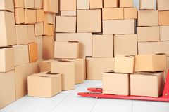 Ręczna barłóg ciężarówka z pudełkami obraz royalty free