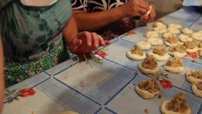 Ręczna metoda narządzania ciasta produkty Obraz Stock