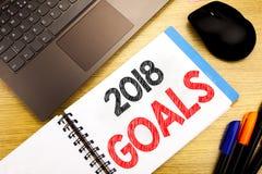 Ręcznie pisany teksta podpis pokazuje 2018 celów Biznesowy pojęcia writing dla pieniężnego planowania, strategia biznesowa pisać  Obrazy Stock