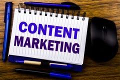 Ręcznie pisany teksta seansu zawartości marketing Biznesowy pojęcie dla Online Medialnego planu pisać na notatnika książkowym nut obraz royalty free